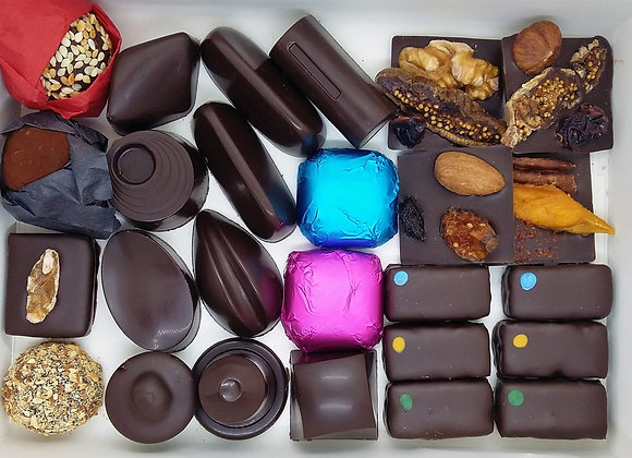 Box of 26 vegan chocolates + 1 chocolate bar