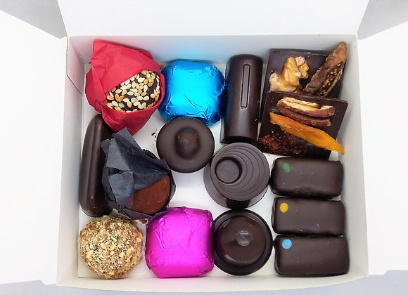 Box of 15 vegan chocolates