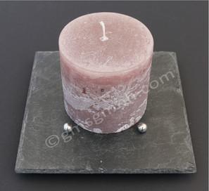 Schiefertafel ca. 20 x 20 cm mit 4 Edelstahlkugeln und rosebrauner Kerze (Ø 10 x 10 mm)