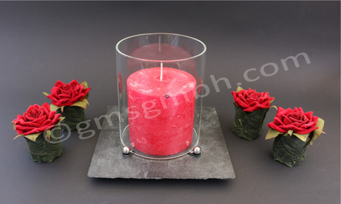 Windlicht Lapis QB - Szene mit roter Kerze