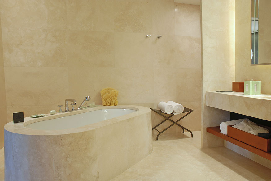 Bath curved travertine