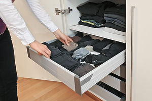 BEAUTIFUL AND FUNCTIONAL SOLUTIONS FOR CLOSETS