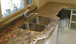 kitchen creme borduex granite
