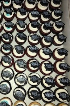 Graduation Cupcakes with Toppers