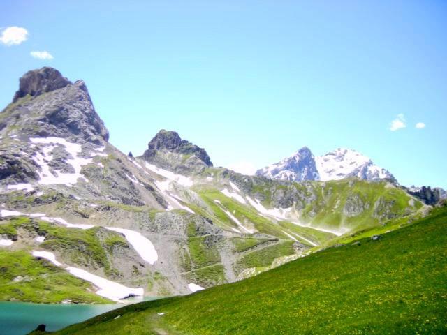 les trois lacs montagne3.jpg