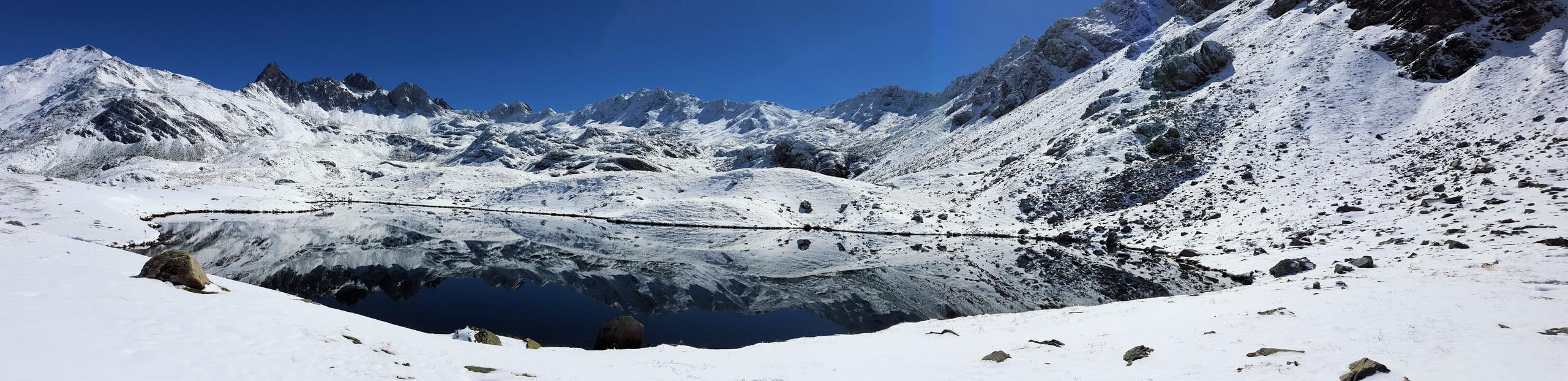 Lac_de_Curtalès.jpg