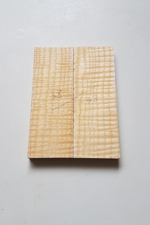 Rippled Ash scales