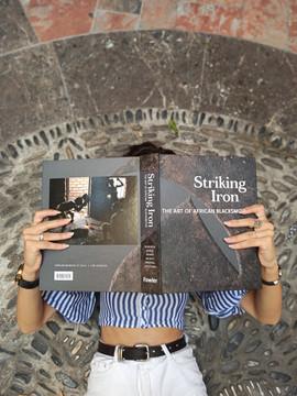 Striking Iron - Livre compétition catégorie Arts Premiers 2020