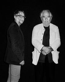 Gilles Coudert, réalisateur (à gauche), aux côtés de Daniel Buren, artiste. Daniel Buren, Prix d'Honneur du FILAF 2014.