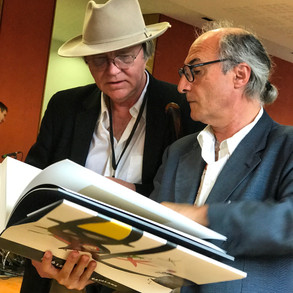 Robert Storr, auteur, commissaire d'expositions, à gauche, avec Vicenç Altaio, poète catalan