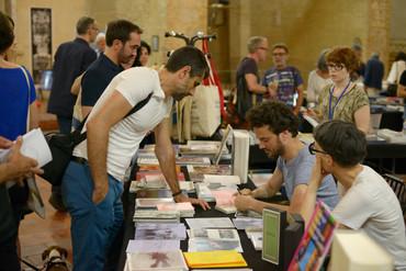 Julien Carreyn et Matali Crasset en signature durant la FILAF Artbook Fair