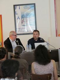 Miguel Barcelo, artiste (à droite) aux côtés de Philippe Régnier, rédacteur en chef du Quotidien de l'Art