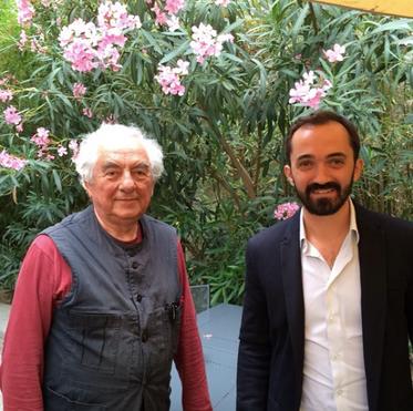 L'artiste Daniel Buren (à gauche) aux côté de Sébastien, Président du FILAF