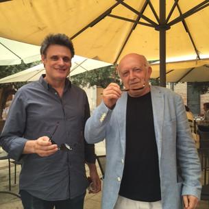 Charles de Meaux, réalisateur et producteur (à gauche), avec Bertrand Lavier, artiste (à droite)
