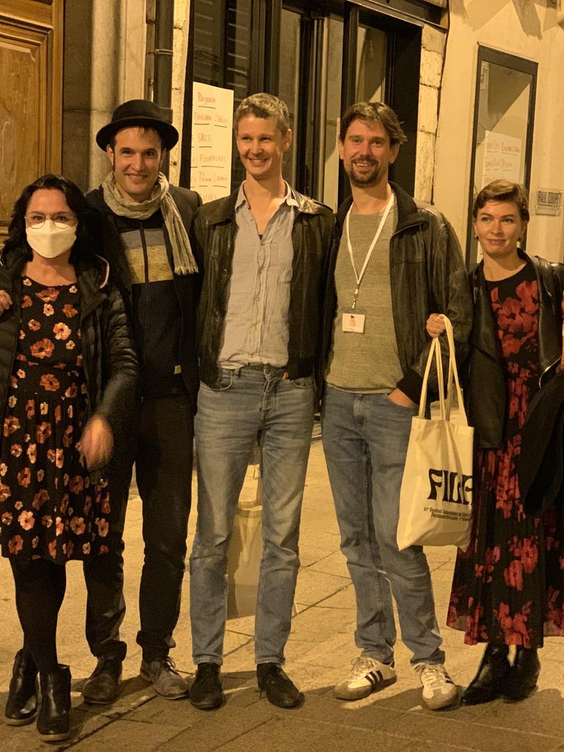 Photo de groupe, de gauche à droite : Romain Planas, Nadine Planas, Guillaume Perret, Léopold et Till Rabus, Chloé Naucelle, Eva Eskinazi