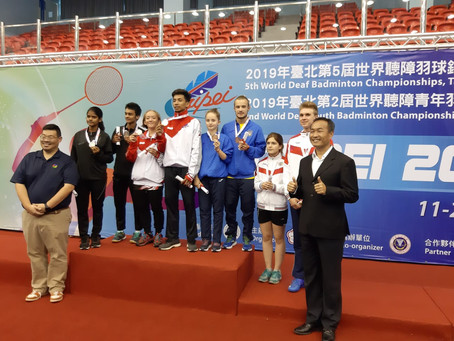 Бронзовые призеры Чемпионата Мира до 19 лет в смешанной парной категории в Тайбее (спорт глухих) .