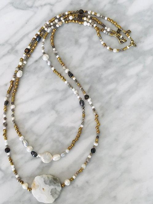 White necklace large