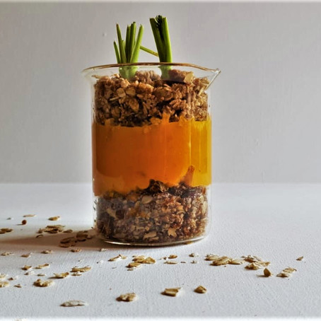 'Fresh out the soil' Carrot Crumble Cup
