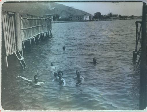 Μπάνια μπροστά στην Εξωραϊστική 1902, Μαγνησία στο πέρασμα του χρόνου