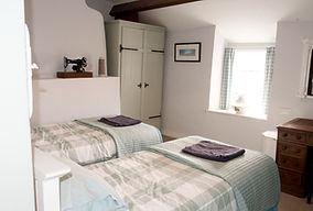 twin bedroom 18 olym_edited
