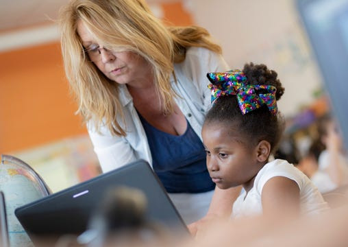 ALL DPSCD STUDENTS TO RECEIVE WIRELESS TABLETS AND INTERNET ACCESS