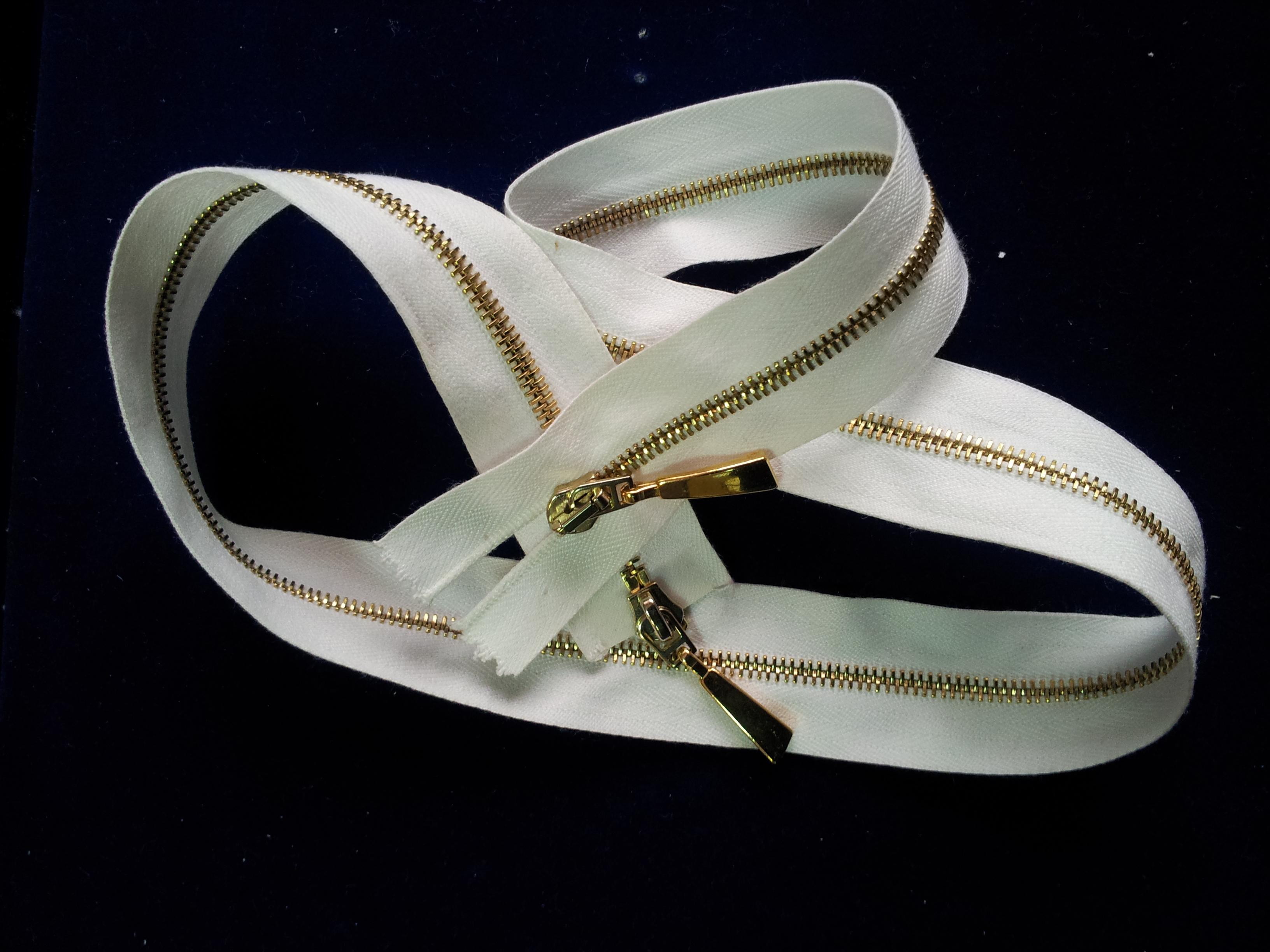 Полированная двухзамковая молния Riri Brass, 65см.jpg