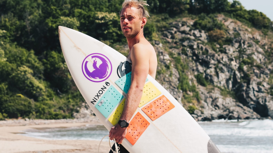 Surf mission with Nixon