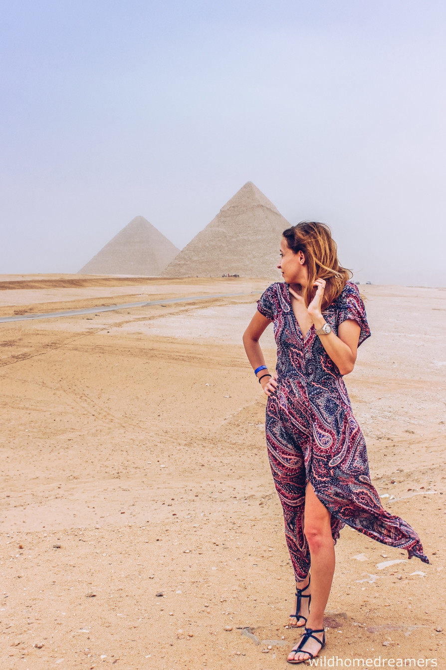 girl pyramids cairo 2018 egypt boho style dress visiting tips