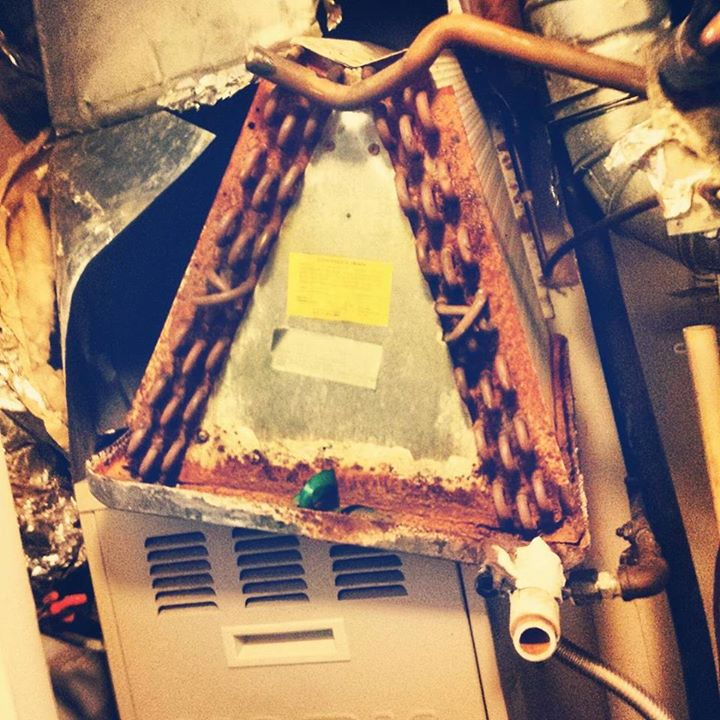 I think I just found the #refrigerant leak