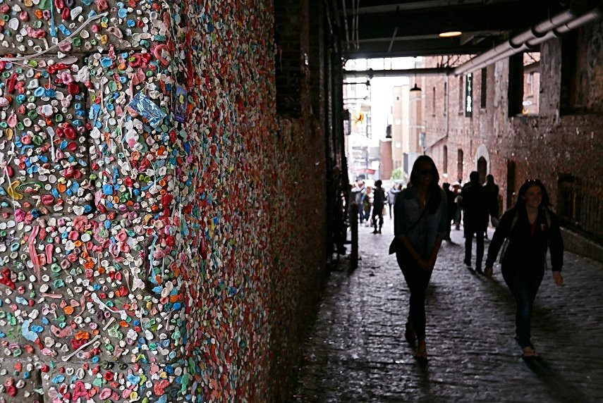 Bubble-gum wall, bubble-gum, seattle, travel blog