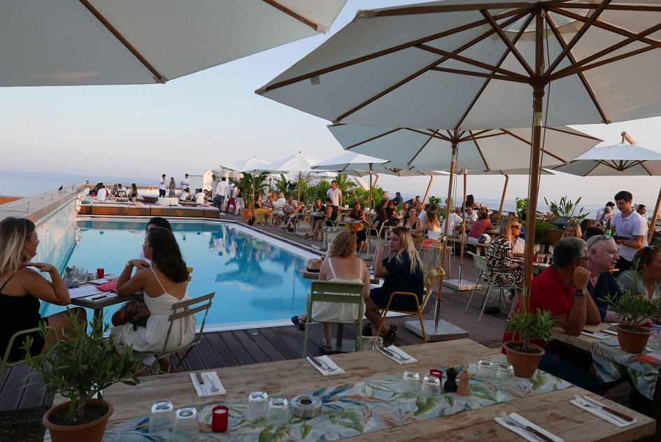 nice, rooftop, blog, travelling, pool party, pool bar, france, riviera, cote d'azure
