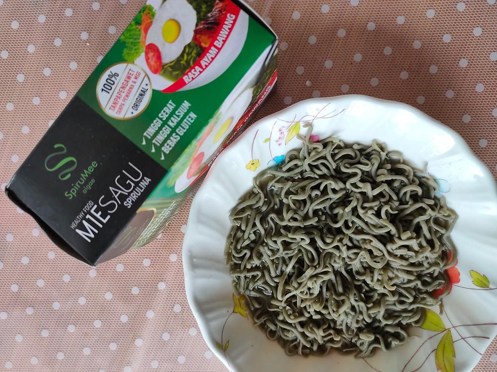 Algae noodle: spirulina noodle