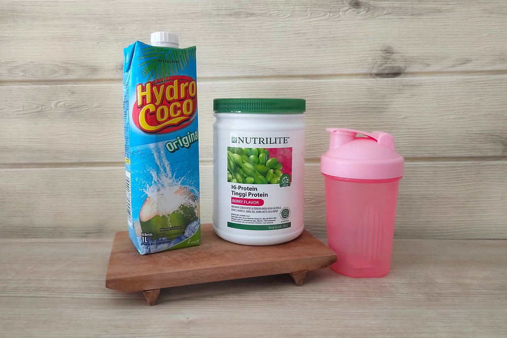Nutrilite Berry Protein Shake with Coconut Water