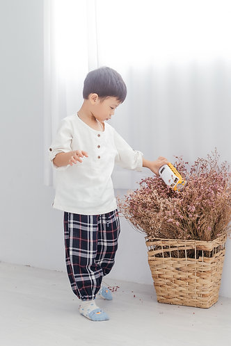 White shirt with checked pant