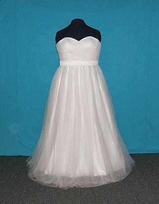 1a Size 24 White tulle ballgown.jpg