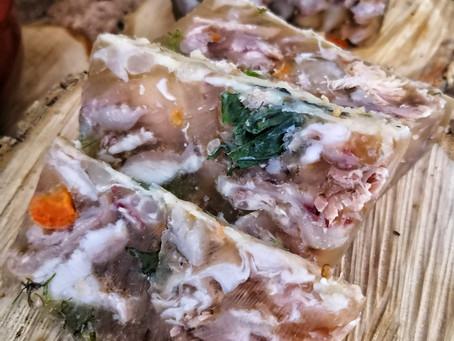 La terrine de porc en gelée , de la gélatine au collagène (tout est bon dans le cochon)