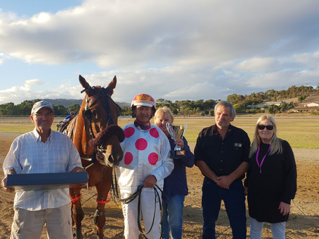 Trainer's sole horse takes cup win by a nose