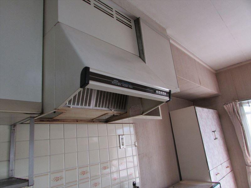 施工前-換気扇