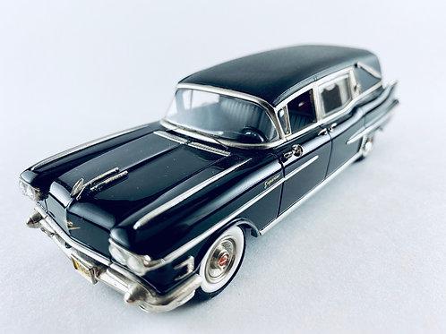 MC-82 Motor City Sunset Coach 1958 Cadillac Landau Hearse 1:43