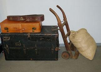luggage-1095854_1920.jpg