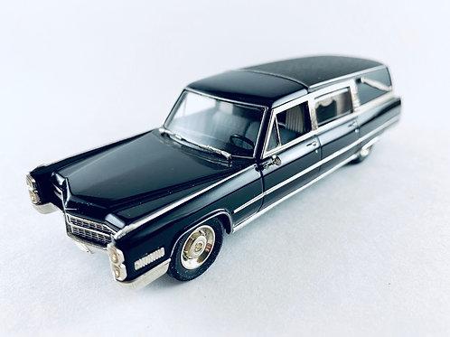 MC-79 Motor City Sunset Coach 1966 Cadillac Deluxe Hearse 1:43
