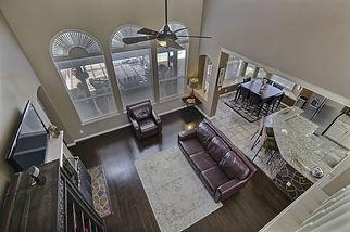 living-room-2280071_1920.jpg