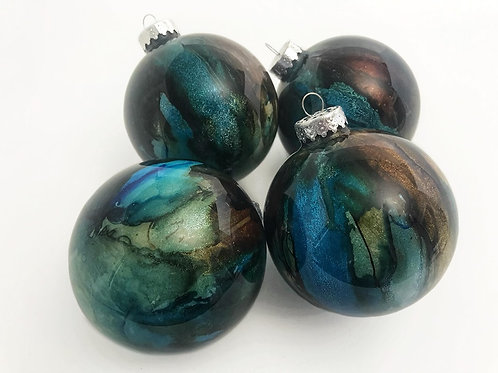 4 Pack - Large Ornaments