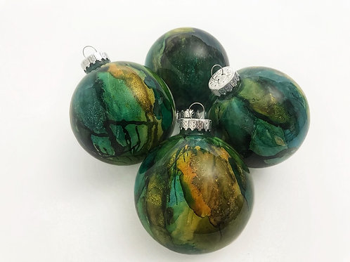 4 Pack - Medium Ornaments