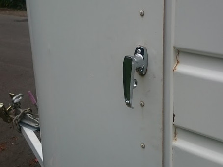 Horsefloat Lock Specialist