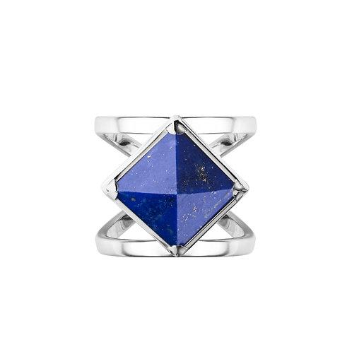 Кольцо с синим камнем пирамидкой с лазуритом из серебра STELLAR