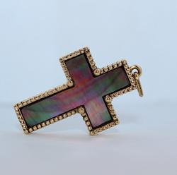 Крестик с перламутром
