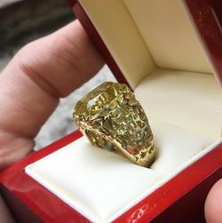 Перстень из золота со звездами