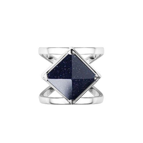 Кольцо с черной пирамидкой с авантюрином из серебра STELLAR