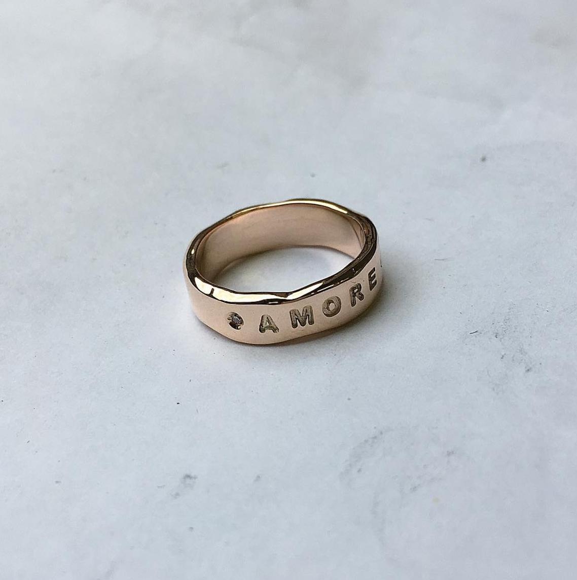 Кольцо из розового золота Amore